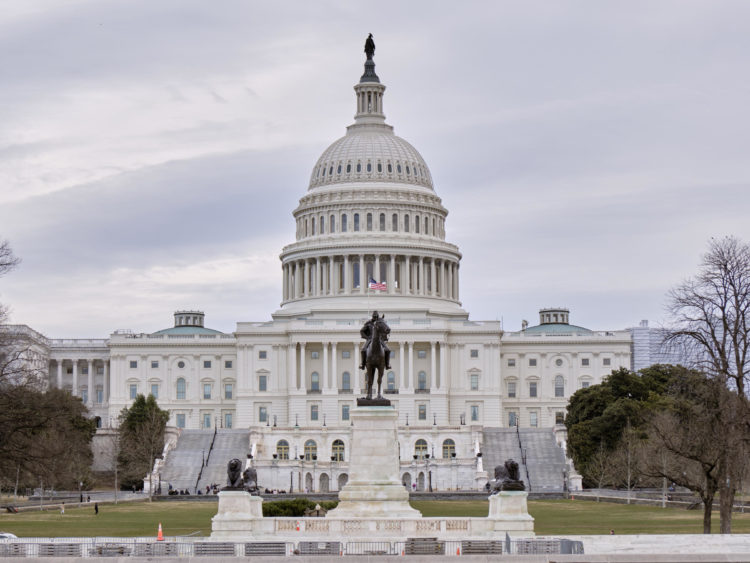 Somber Congress delivers nearly $500B more in virus aid